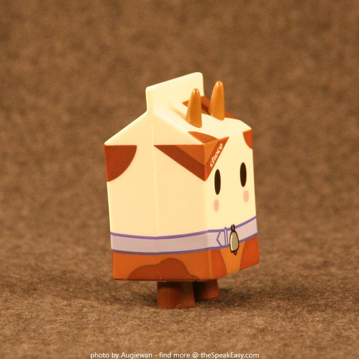 Moofia-Choco-02-right.jpg