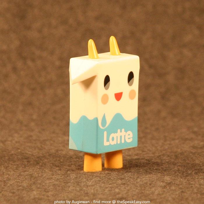 Moofia-Latte-02-right.jpg