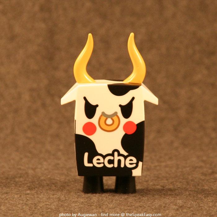 Moofia-Leche-01-front.jpg