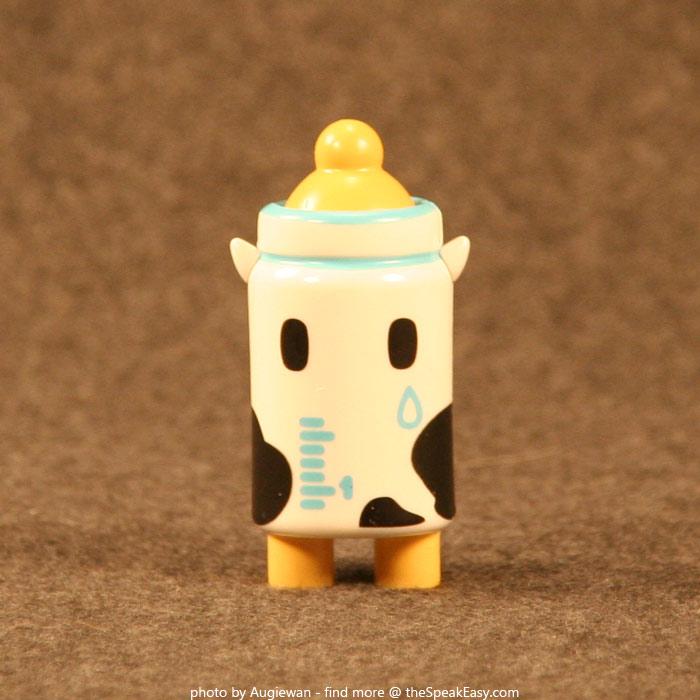 Moofia-MilkBottle-01-front.jpg