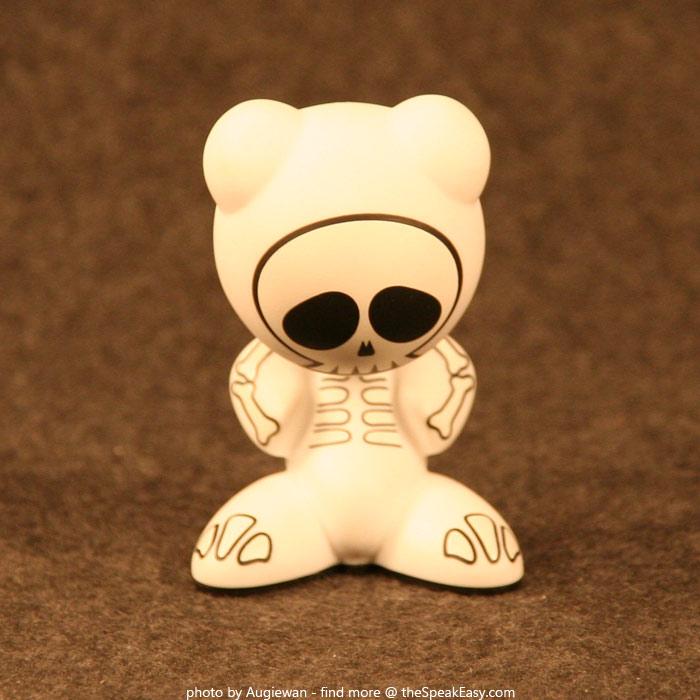 UBFunkeys-S1W1-BonesVR-01.jpg