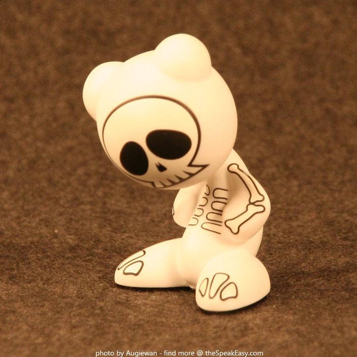 UBFunkeys-S1W1-BonesVR-04.jpg